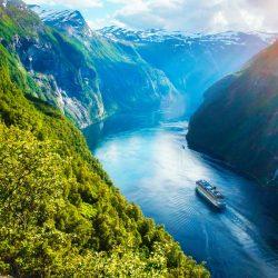 Cruise-along-the-fjords.jpg